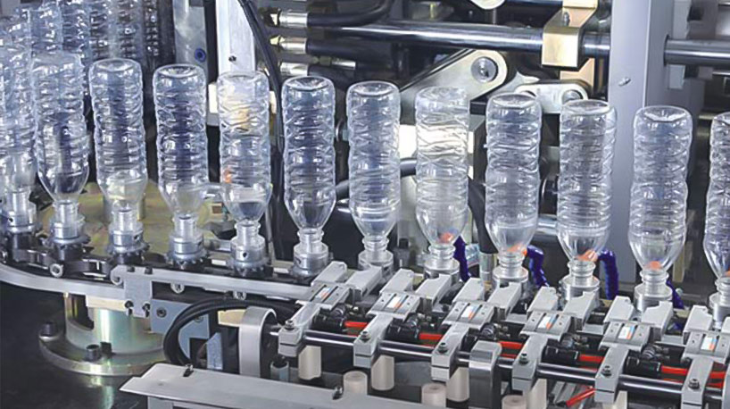 What are the main features of the automatic bottle blowing machine?
